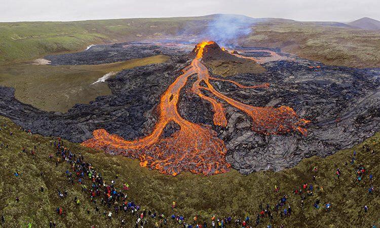 23 günde 50 bin deprem… İzlanda şaşkın! 800 yıldır uyuyordu…