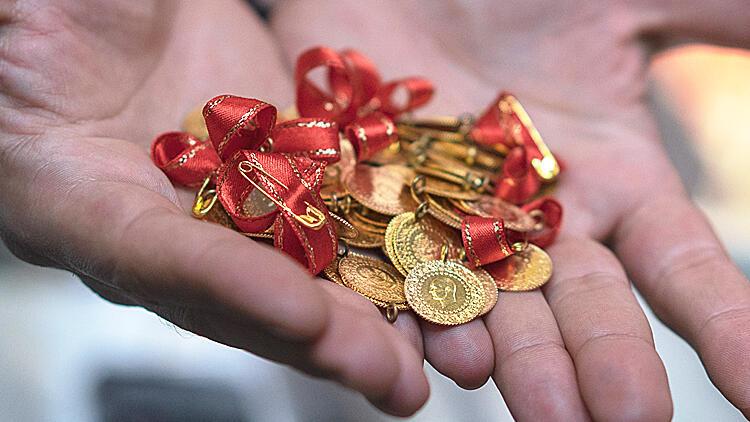 Altın fiyatlarında sert hareket! Adım adım tarihi zirveye…