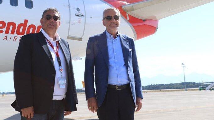 """Antalyaspor kafilesi İzmir'e gitti! """"Kupayı Antalya'ya getireceğimize yürekten inanıyorum…"""""""