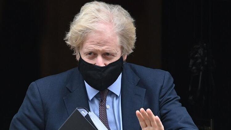 AstraZeneca aşısına bir destek de Boris Johnson'dan geldi: Ben de yaptıracağım!