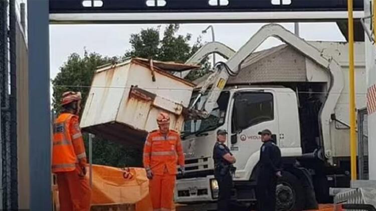 Avustralya'da inanılmaz anlar: Çöp konteynerinde uyuyan çocuk hayatını kaybetti!