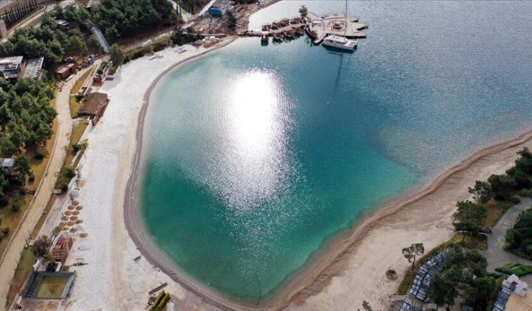 Bodrum'da plaja mermer ve kuvars tozu döken 2 işletmeye 575 bin 263 TL ceza
