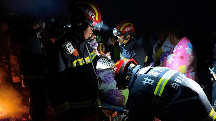 Gözlerini açtığında bir mağarada yerde yatıyordu… 21 kişinin öldüğü felaketten böyle kurtuldu