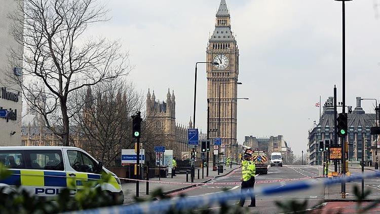 """İngiltere'de terör tehdit seviyesi """"ciddi""""ye yükseltildi"""