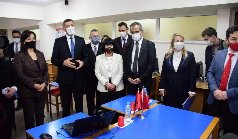 Milli Eğitim Bakanı Selçuk Arnavutluk'ta temaslarda bulundu