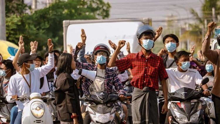 Myanmar'da ordunun darbe karşıtlarına müdahalesi sonucu ölenlerin sayısı 800'ü geçti