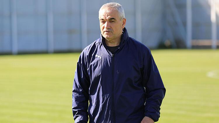 Sivasspor Teknik Direktörü Rıza Çalımbay: 'Üçü de final gibi maçlar'