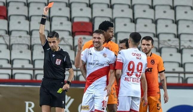 Süper Lig'de en çok kırmızı kart Antalyaspor'a çıktı