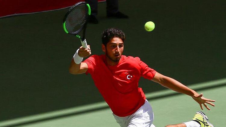 Ulusal tenisçi Altuğ Çelikbilek, Wimbledon elemelerinde ikinci tipe yükseldi